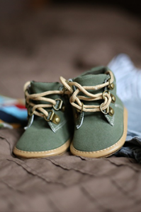green toddler shoes
